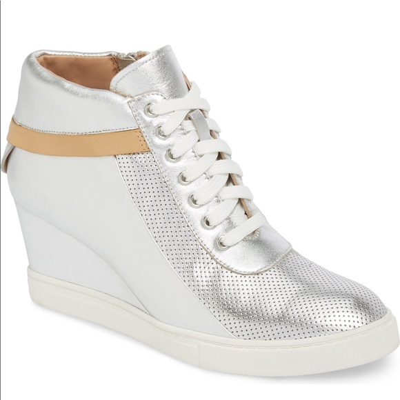 Linea Paolo Shoes   Silver Wedge